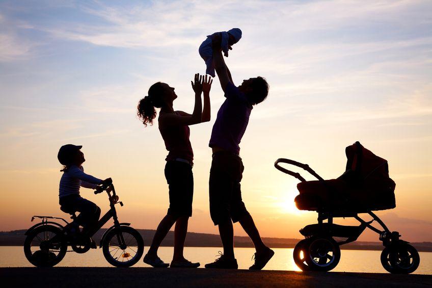 Как правильно воспитывать ребенка с рождения? 5 этапов взросления