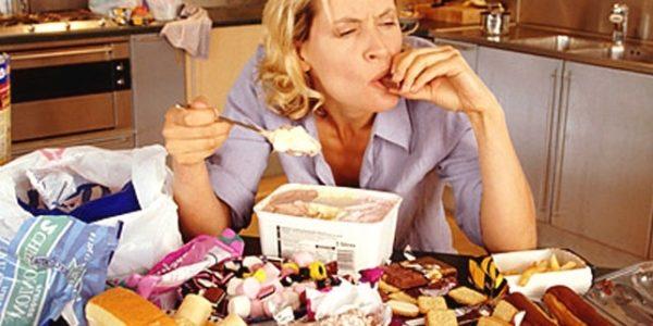 Как бороться с компульсивным перееданием