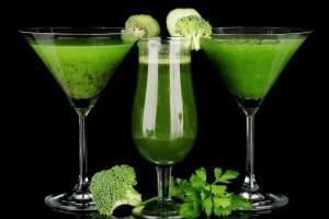 Как приготовить зеленый коктейль.