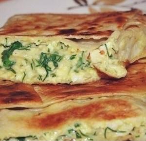 Пирог из лаваша с сыром и зеленью
